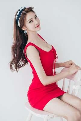 韩国知名美女模特红色超短露长腿诱惑