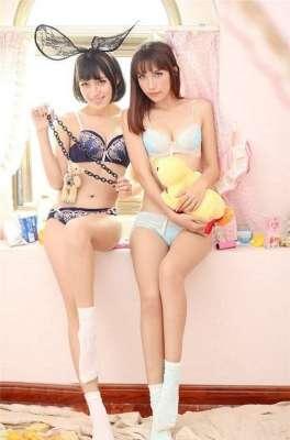 韩国美女图片致青春经典小清纯的性感双生姐妹诱惑
